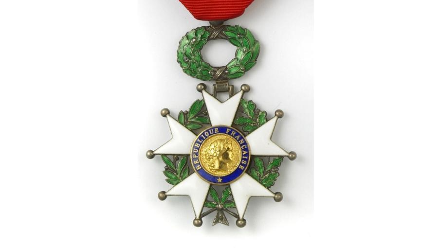 Insignes du grade de chevalier dans l'ordre de la Légion d'honne