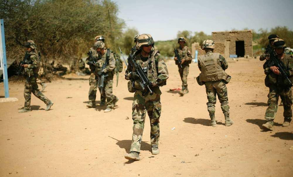 1213578_mali-trois-soldats-francais-tues-par-une-mine-web-tete-021837382453